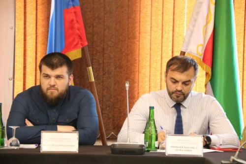 Черхигов и Минцаев